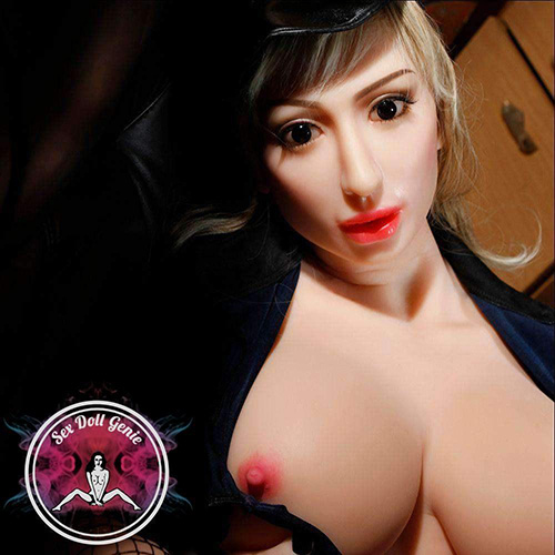 Aliza the sex doll